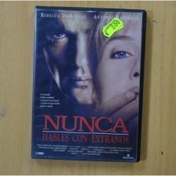 NUNCA HABLES CON EXTRAÑOS - DVD