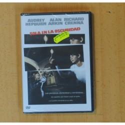 SOLA EN LA OSCURIDAD - DVD